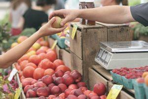 Apples on farmers market