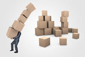 A person who didn't hire Hialeah movers and now has issues with packing