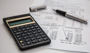 ¿Necesita un seguro de mudanza? Es como preguntar si necesita dinero extra. Es seguro, y si usa una calculadora, ¡tiene mucho sentido!