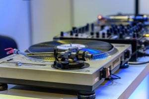 Night event service Miami includes DJ's and their equipment