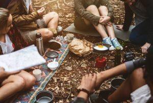 Acampar es una actividad maravillosa que puedes compartir con tus familiares y amigos.