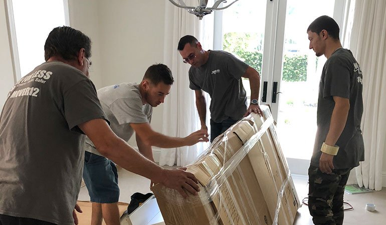 Movers Davie FL handling your relocation.
