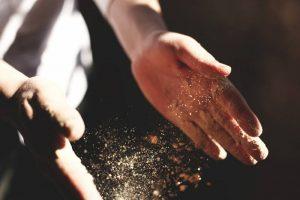 Dusty hands