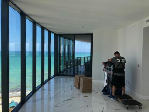 Apartment moving in Sunny Isles Beach is our specialty.