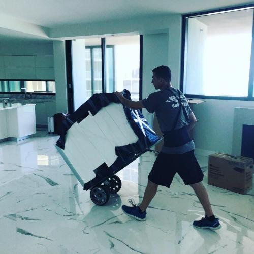 Our Sunny Isles packing expertise ensure maximum protection of your belongings.