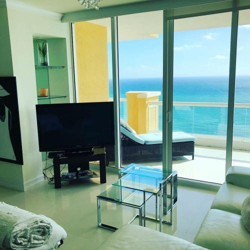 One of the many apartments in Sunny Isles Beach that our residential moving crew relocated.